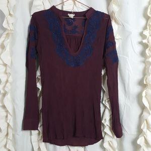 Gimmicks BKE gauze embroidered top shirt